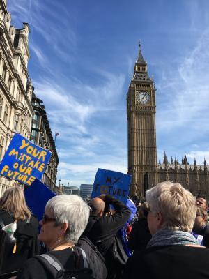 Foto Nerea Irigoyen, directora del departamento de Relaciones Internacionales de la CERU. Manifestación por la Unión Europea, Londres, 25 de marzo de 2017. Londres, 25 de marzo de 2017.
